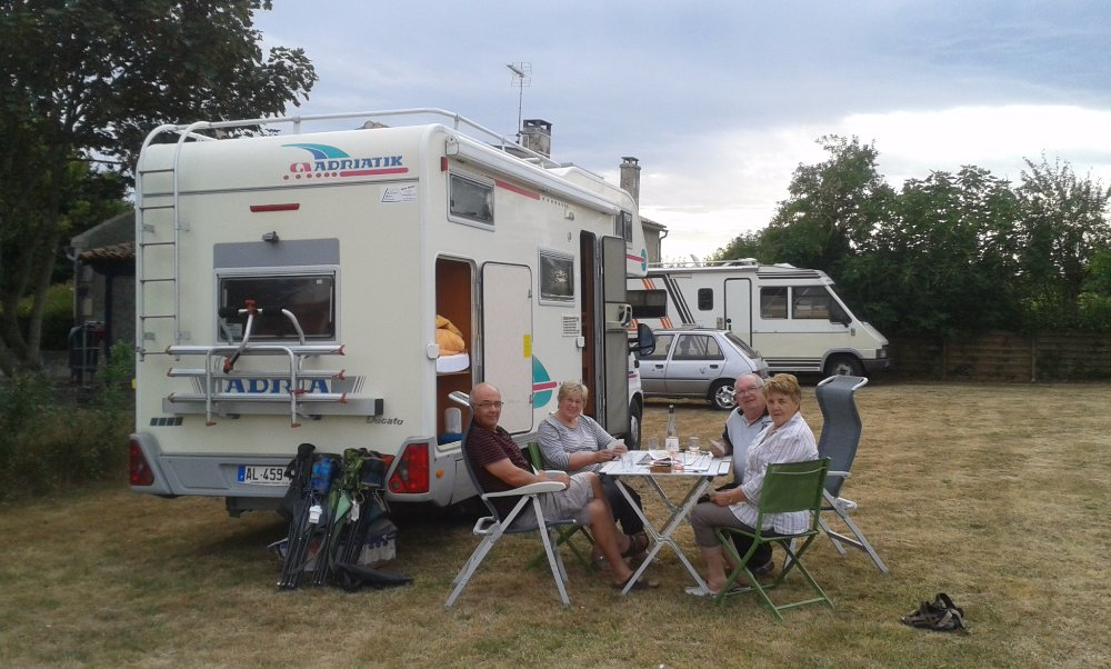 Aire camping-car à Oulmes (85420) - Photo 1
